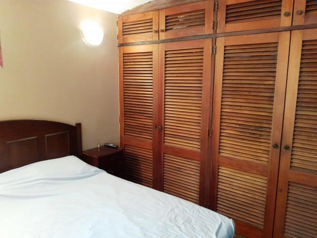 Casa Distrito Metropolitano>Caracas>La Boyera - Venta:200.000 Precio Referencial - codigo: 20-12430