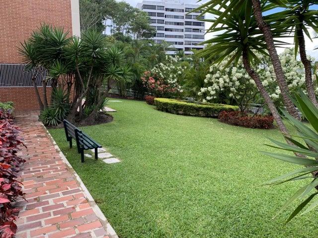 Apartamento Distrito Metropolitano>Caracas>La Alameda - Venta:100.000 Precio Referencial - codigo: 20-12437