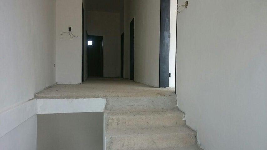 Casa Aragua>La Victoria>El Recreo - Venta:35.000 Precio Referencial - codigo: 20-12436