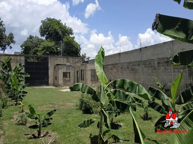 Terreno Aragua>Turmero>Zona Centro - Venta:35.000 Precio Referencial - codigo: 20-12438