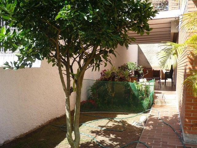 Casa Distrito Metropolitano>Caracas>Los Naranjos del Cafetal - Venta:170.000 Precio Referencial - codigo: 20-12584
