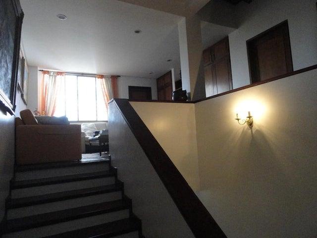 Casa Distrito Metropolitano>Caracas>Alto Hatillo - Venta:420.000 Precio Referencial - codigo: 20-13308