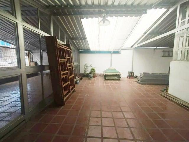 Casa Distrito Metropolitano>Caracas>Parroquia La Candelaria - Venta:120.000 Precio Referencial - codigo: 20-12644