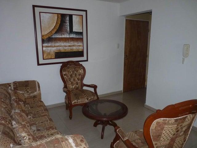 Apartamento Aragua>Maracay>Bosque Alto - Venta:27.500 Precio Referencial - codigo: 20-12941