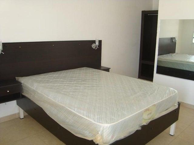 Edificio Anzoategui>Anaco>Las Tinajas - Alquiler:3.000 Precio Referencial - codigo: 20-13290