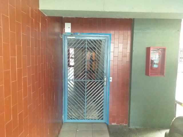 Apartamento Distrito Metropolitano>Caracas>Santa Fe Sur - Venta:110.000 Precio Referencial - codigo: 20-13377
