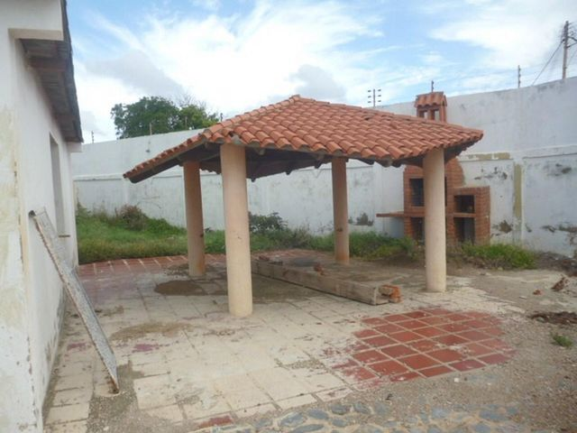 Casa Falcon>Punto Fijo>Judibana - Venta:33.000 Precio Referencial - codigo: 20-13457