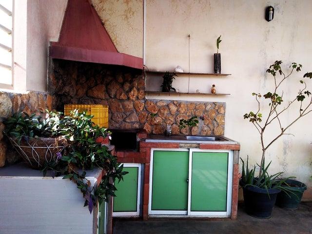 Galpon - Deposito Falcon>Punto Fijo>Las Margaritas - Venta:33.000 Precio Referencial - codigo: 20-13668
