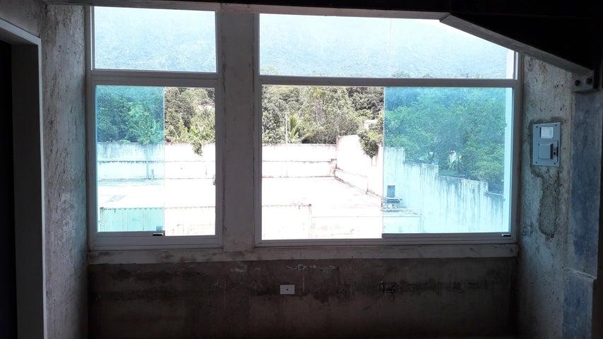 Local Comercial Yaracuy>San Felipe>Independencia - Venta:13.000 Precio Referencial - codigo: 20-13751