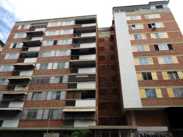 Apartamento Distrito Metropolitano>Caracas>Los Palos Grandes - Alquiler:1.400 Precio Referencial - codigo: 20-13841