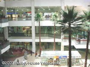 Local Comercial Distrito Metropolitano>Caracas>Chuao - Venta:1.400.000 Precio Referencial - codigo: 20-13889