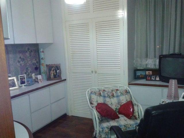 Apartamento Miranda>San Antonio de los Altos>Las Minas - Venta:62.000 Precio Referencial - codigo: 20-13976