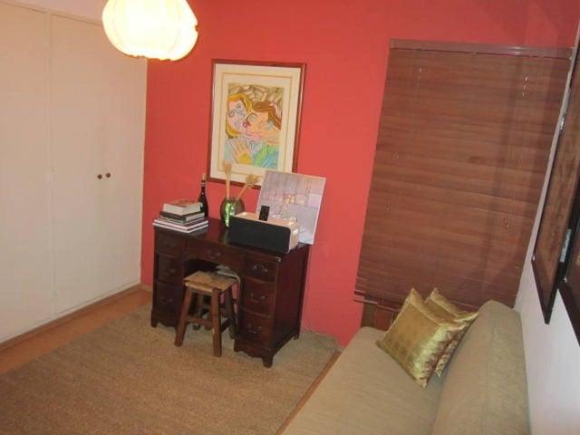 Apartamento Distrito Metropolitano>Caracas>Macaracuay - Venta:65.000 Precio Referencial - codigo: 20-13979