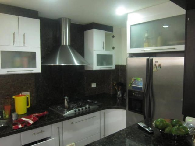 Apartamento Distrito Metropolitano>Caracas>Colinas de Bello Monte - Venta:65.000 Precio Referencial - codigo: 20-13981