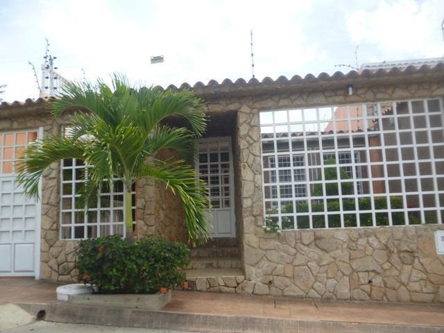 Casa Miranda>Charallave>Colinas de Betania - Venta:38.500 Precio Referencial - codigo: 20-14007