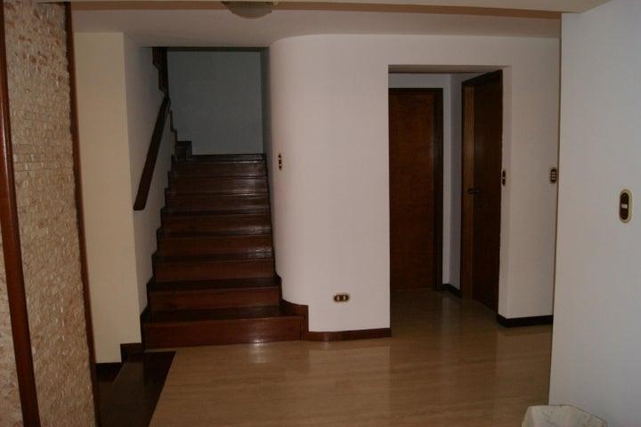 Casa Distrito Metropolitano>Caracas>Lomas de Monte Claro - Venta:480.000 Precio Referencial - codigo: 20-14196