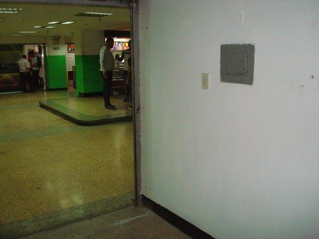 Local Comercial Distrito Metropolitano>Caracas>Parroquia Catedral - Venta:5.000 Precio Referencial - codigo: 20-14197