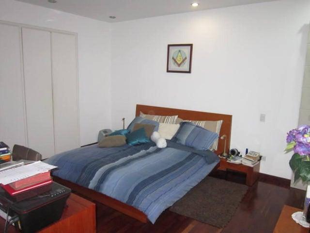 Apartamento Distrito Metropolitano>Caracas>Campo Alegre - Venta:290.000 Precio Referencial - codigo: 20-14300