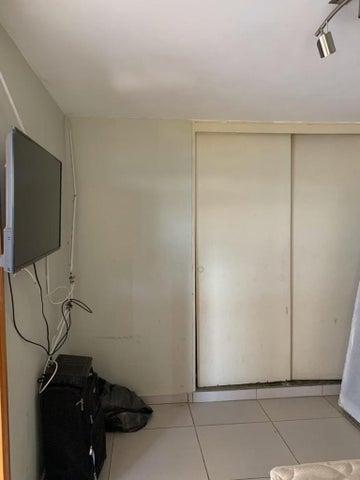 Apartamento Vargas>La Guaira>Macuto - Venta:24.500 Precio Referencial - codigo: 20-14395
