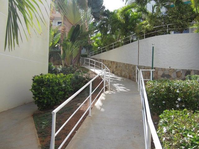 Apartamento Nueva Esparta>Margarita>Playa el Angel - Venta:35.000 Precio Referencial - codigo: 20-14498