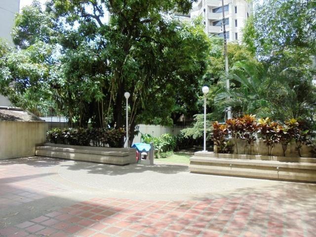 Apartamento Distrito Metropolitano>Caracas>La Florida - Venta:165.000 Precio Referencial - codigo: 20-14556