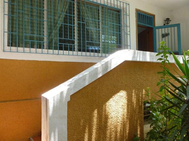 Casa Distrito Metropolitano>Caracas>Alta Florida - Venta:180.000 Precio Referencial - codigo: 20-14880