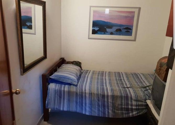 Apartamento Distrito Metropolitano>Caracas>Colinas de La Tahona - Venta:115.000 Precio Referencial - codigo: 20-14721