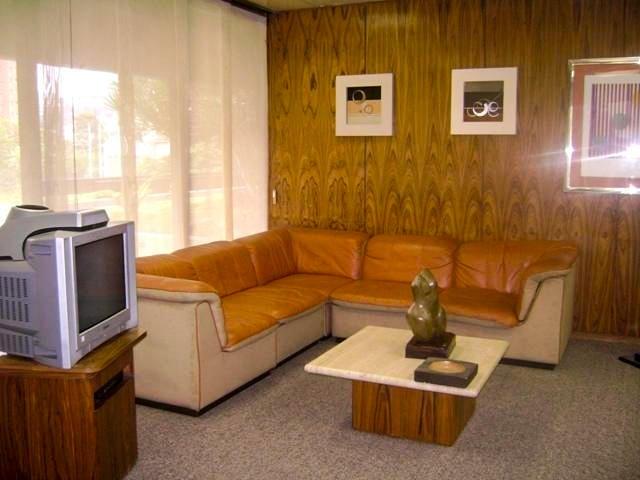 Oficina Distrito Metropolitano>Caracas>El Rosal - Alquiler:2.200 Precio Referencial - codigo: 20-2184