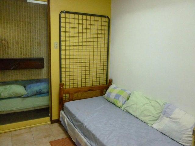 Apartamento Distrito Metropolitano>Caracas>Los Chaguaramos - Venta:35.000 Precio Referencial - codigo: 20-14978