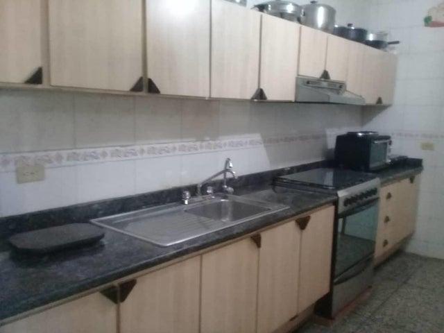 Casa Zulia>Maracaibo>Las Lomas - Venta:22.000 Precio Referencial - codigo: 20-15067