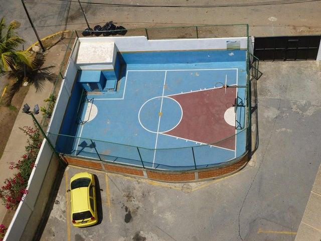 Apartamento Vargas>Catia La Mar>Playa Grande - Venta:25.000 Precio Referencial - codigo: 20-15142