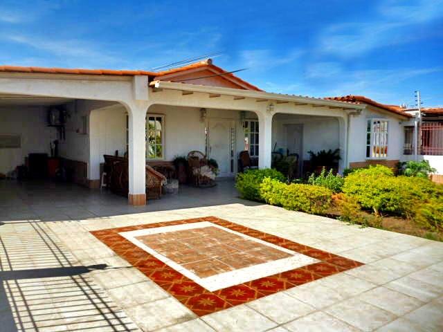 Casa Falcon>Punto Fijo>Puerta Maraven - Venta:58.000 Precio Referencial - codigo: 20-15112