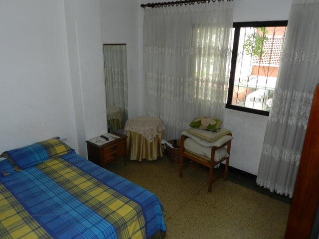 Apartamento Distrito Metropolitano>Caracas>Bello Monte - Venta:30.000 Precio Referencial - codigo: 20-15117