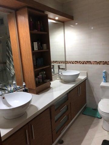 Apartamento Miranda>Municipio Los Salias>Las Salias - Venta:120.000 Precio Referencial - codigo: 20-15131