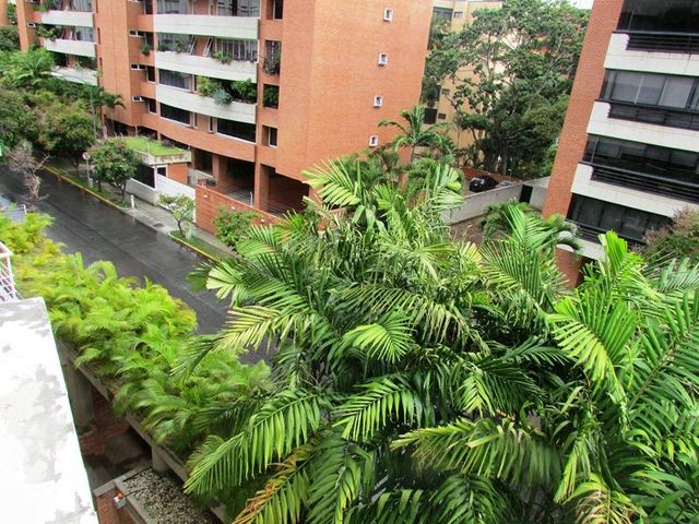 Apartamento Distrito Metropolitano>Caracas>Campo Alegre - Venta:145.000 Precio Referencial - codigo: 20-15234