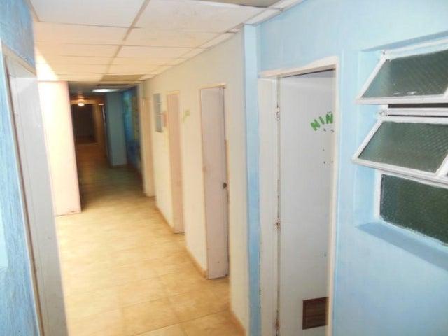 Casa Miranda>Los Teques>Municipio Guaicaipuro - Venta:150.000 Precio Referencial - codigo: 20-15445