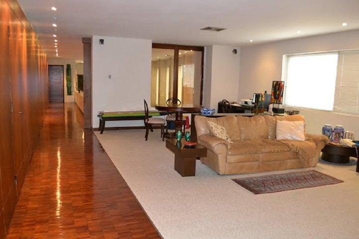 Apartamento Zulia>Maracaibo>La Lago - Venta:360.000 Precio Referencial - codigo: 20-15530