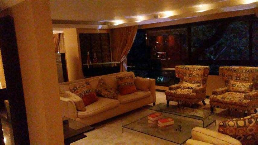 Apartamento Distrito Metropolitano>Caracas>Los Palos Grandes - Alquiler:8.000 Precio Referencial - codigo: 20-15703