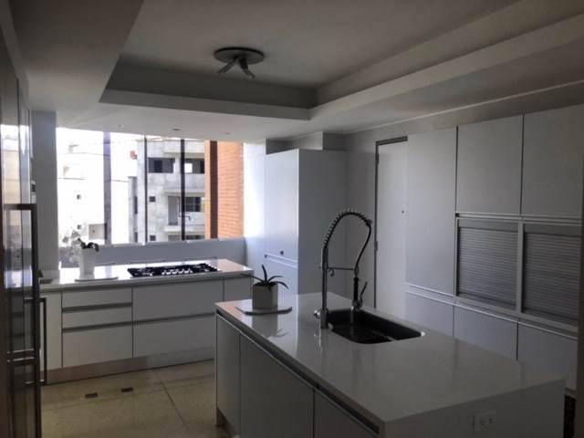 Apartamento Distrito Metropolitano>Caracas>La Castellana - Venta:980.000 Precio Referencial - codigo: 20-15772
