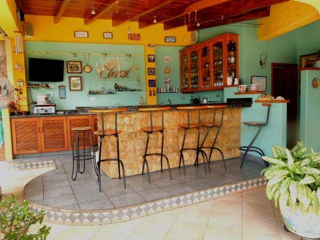 Casa Distrito Metropolitano>Caracas>Colinas de Santa Monica - Venta:320.000 Precio Referencial - codigo: 20-15787