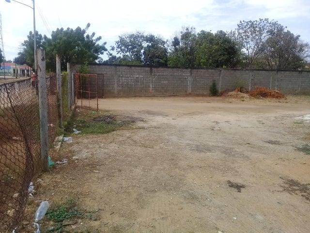 Terreno Zulia>Ciudad Ojeda>Cristobal Colon - Venta:1.000 Precio Referencial - codigo: 20-15894