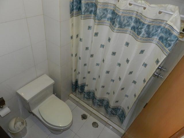 Apartamento Distrito Metropolitano>Caracas>El Pedregal - Venta:120.000 Precio Referencial - codigo: 20-16080
