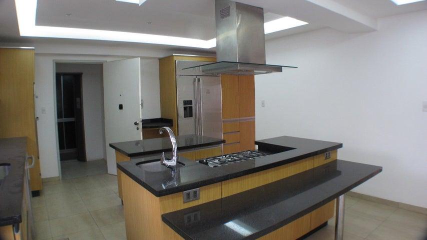 Apartamento Distrito Metropolitano>Caracas>Lomas de San Roman - Alquiler:4.000 Precio Referencial - codigo: 20-16252