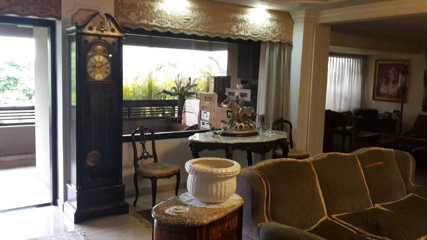 Apartamento Distrito Metropolitano>Caracas>Altamira - Venta:470.000 Precio Referencial - codigo: 20-16270