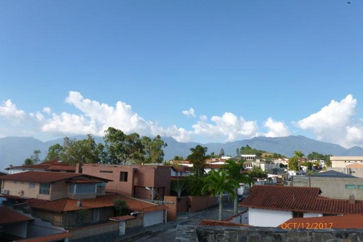 Casa Distrito Metropolitano>Caracas>Los Naranjos del Cafetal - Venta:1.100.000 Precio Referencial - codigo: 20-16389