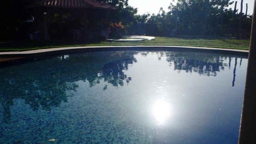 Casa Miranda>Higuerote>Estancia Mar - Venta:35.000 Precio Referencial - codigo: 20-16563
