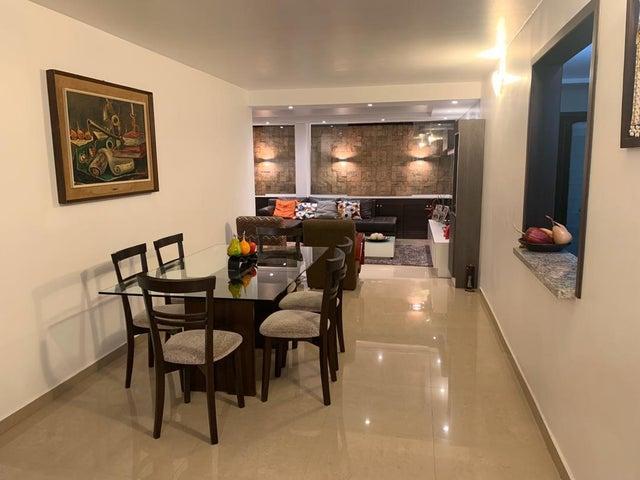 Apartamento Distrito Metropolitano>Caracas>Colinas de La Tahona - Venta:130.000 Precio Referencial - codigo: 20-16854