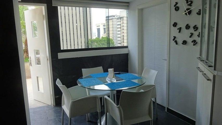 Apartamento Distrito Metropolitano>Caracas>Los Palos Grandes - Alquiler:1.000 Precio Referencial - codigo: 20-16902