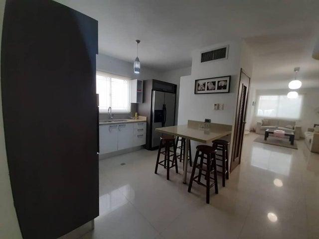 Townhouse Zulia>Maracaibo>Canchancha - Venta:32.000 Precio Referencial - codigo: 20-731