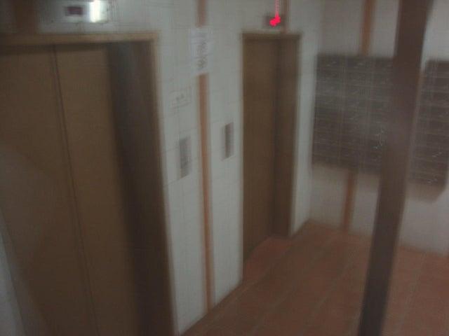 Apartamento Lara>Barquisimeto>Del Este - Venta:17.000 Precio Referencial - codigo: 20-71